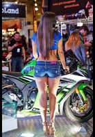 """Photo of publication """"Moto Park 15. Looking for spare parts."""", author Эдуард@fotovzglyad, Tags: [exhibitions, Motor Park, events, exhibitions in 2015, motorcycle (bike), bare legs, denim shorts]"""