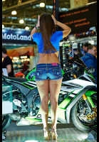 "Photo of publication ""Moto Park 15. Looking for spare parts."", author Эдуард@fotovzglyad, Tags: [Exhibition, Motor Park, events, Exhibition 2015, motorcycle (bike), Bare legs, Denim shorts]"