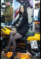 "Photo of publication ""Motopark-12. Black mini"", author Эдуард@fotovzglyad, Tags: [exhibitions, motorcycle (bike), black tights (pantyhose), short dress, exhibitions in 2012, Motor Park, black dress, sitting leg to leg, events, sitting sideways on a motorcycle, car show]"