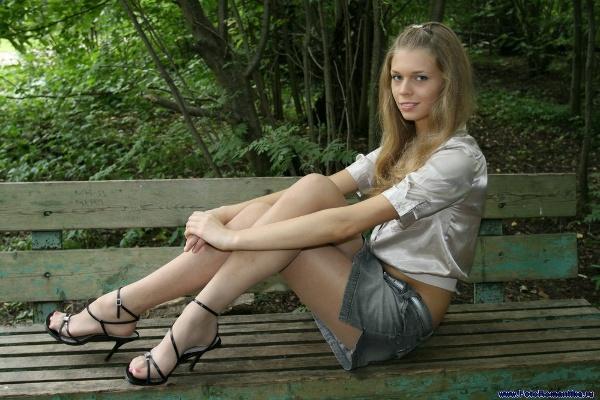 Eugenia Chizhikova in the park :: Санек