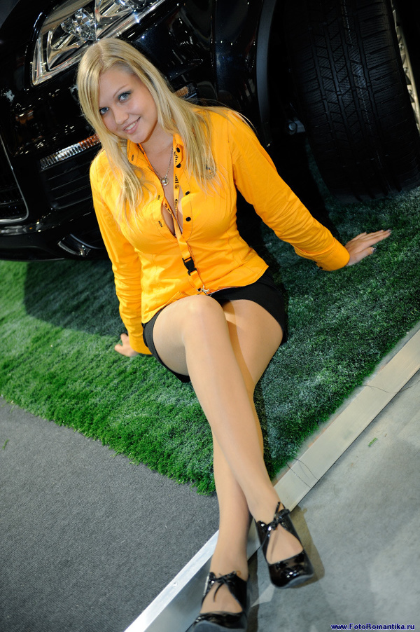 Moscow motor show 2008 - Alexandra at the stand of Continental :: Эдуард@fotovzglyad
