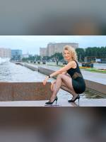 """""""Best 25"""" competition """"February 2020, best photos of the month"""": """"Sveta in Victory Park - little black dress 1"""", author: Kostya Romantikov (<a href=""""https://www.fotoromantika.ru/#id=18424&imgid=149070"""">photos in the publication</a>)"""