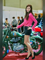 """photo from the publication """"Motopark 14. Vic .."""", author Эдуард@fotovzglyad, Tags: [exhibitions, events of 2014, motorcycle (bike), pantyhose (tights) skin color, shoes black, heels, black shorts, Motor Park, brunette, pantyhose (tights) with glitter, pink blouse, Victoria (Vic) Bataleyko, events, pantyhose (tights) sheer, transparent, pumps - suede/satin/velvet, car show]"""